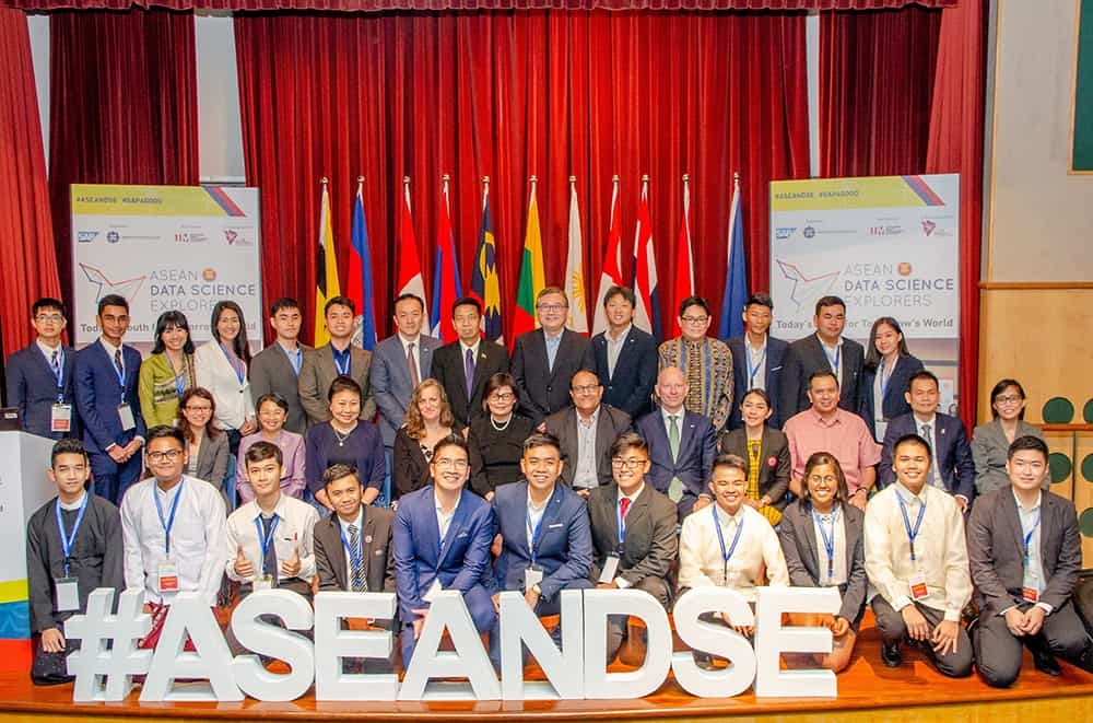 Honorable-guests-and-National-Winners-of-ASEAN-Data-Science-Explorers-2018-Copy