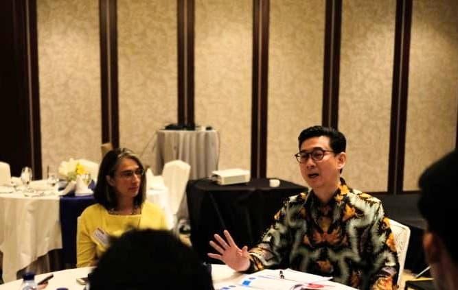 """""""SAP menawarkan portofolio solusi yang mendukung UKM dengan aspirasi transformasi digitalnya. Khususnya, SAP Business One adalah aplikasi bisnis on-premise dan cloud untuk bisnis kecil yang modular dan fleksibel, dengan berbagai pilihan add-ons yang disesuaikan dengan industri dan fungsi khusus,"""" ujar Andreas Diantoro, Managing Director SAP Indonesia."""